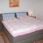 Schlafzimmer I: Boxspringbett